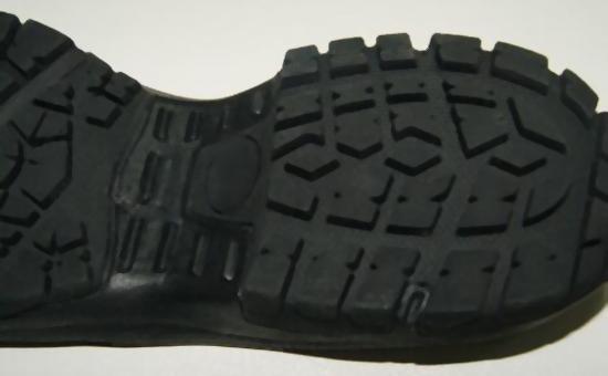 防止丁晴再生胶生产胶鞋出现焦烧的办法