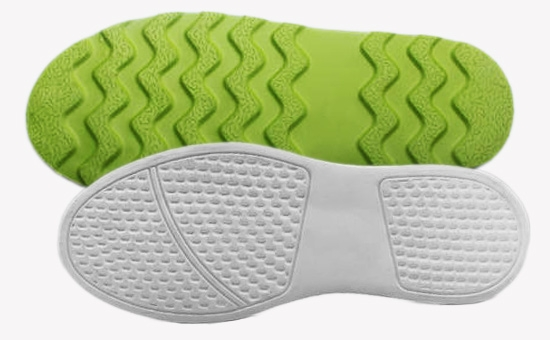 How to prevent frost spraying on colored natural rubber outsole