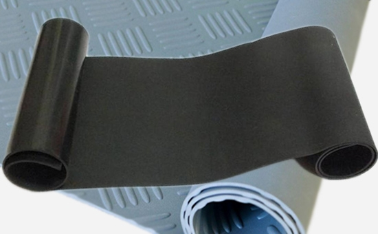 Process points of latex reclaimed rubber/natural rubber rubber sheet