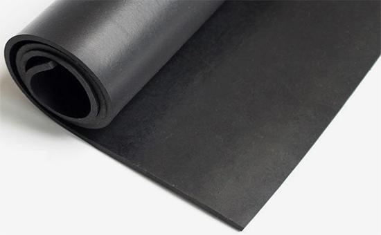 大量使用轮胎再生胶制备低含胶量橡胶板配方